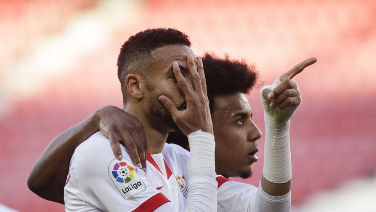Севиля не сбърка срещу Валенсия и ще чака грешки на лидерите (видео)