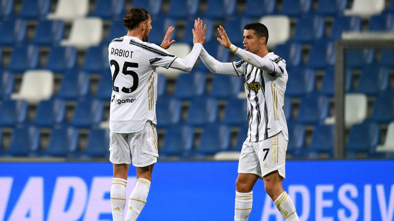 Юбилейни голове на Роналдо и Дибала при ценна победа на Ювентус (видео)