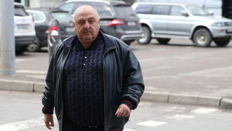 Венци Стефанов: Ще се върнем, когато реши Домусчиев! С онзи със сините венци не говоря