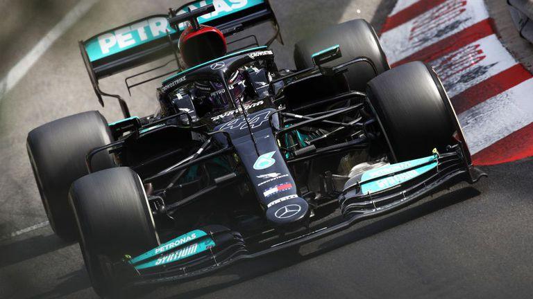 Хамилтън не разбира защо колите във Формула 1 стават все по-тежки