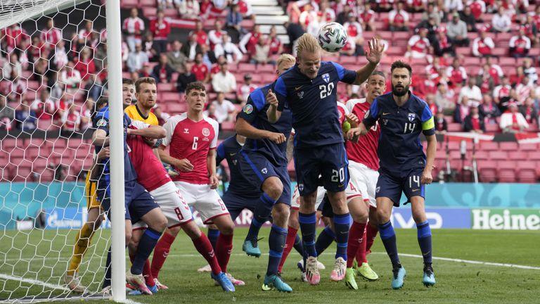 Мач №3 от Евро 2020: Дания налага темпото в Скандинавското дерби (гледай на живо тук)