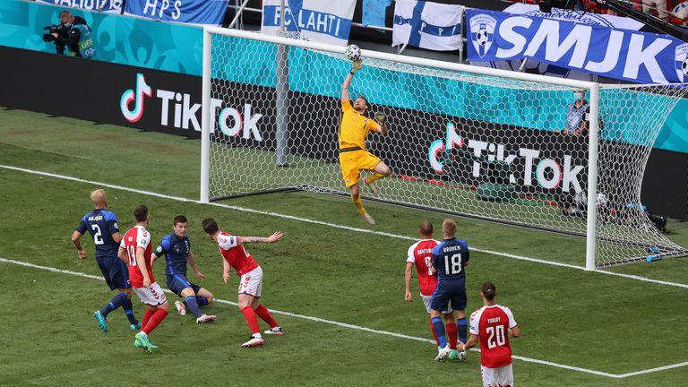 Мач №3 от Евро 2020: Дания срещу Финландия, мачът е прекъснат