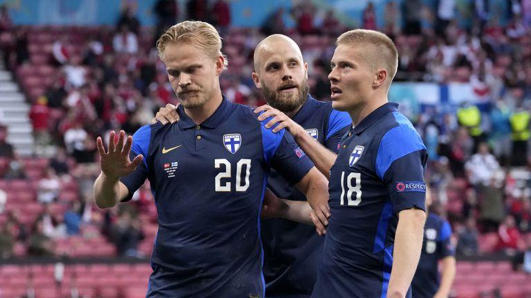 Финландия поднесе изненадата и победи Дания, но всички молитви са отправени към Ериксен
