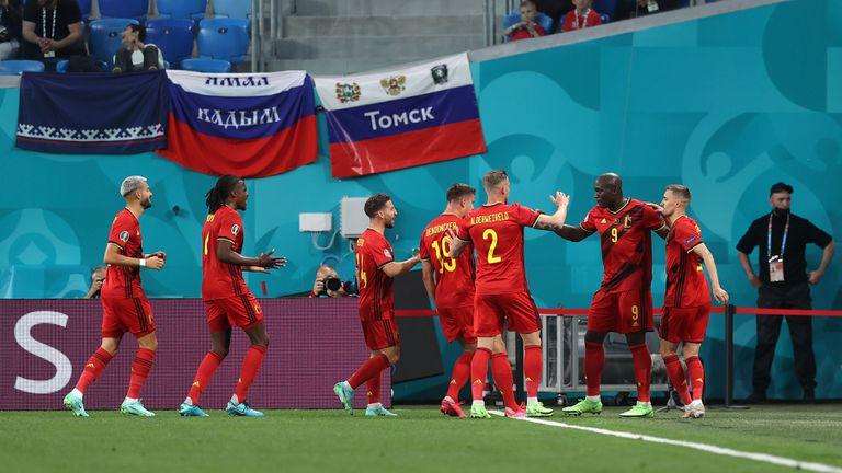 Два гола аванс за Белгия на почивката (гледайте на живо)