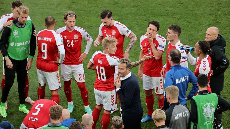 Кристиан Ериксен е в стабилно състояние, потвърдиха от Датската футболна федерация