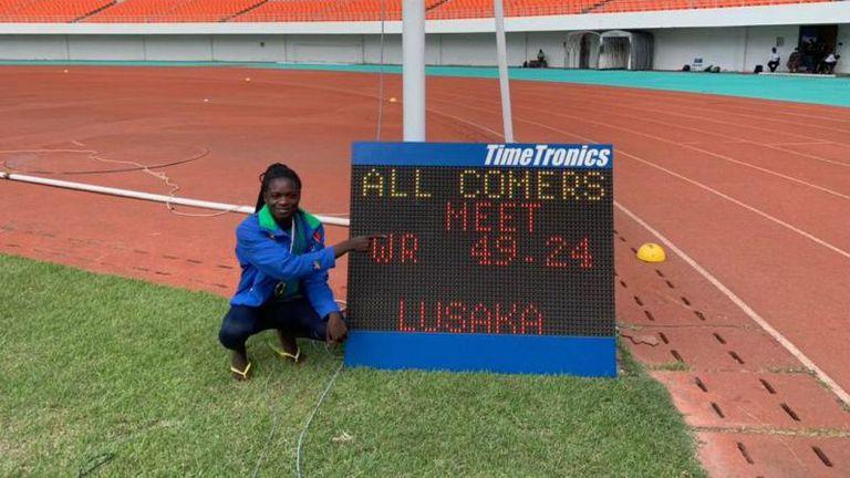 17-годишна пробяга 400 м за 49.24 сек
