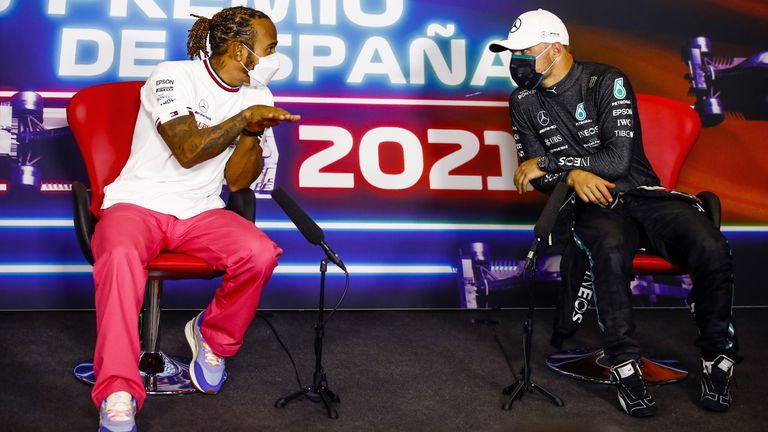 """Валтери Ботас е най-добрата """"водоноска"""" във Формула 1 на Люис Хамилтън"""