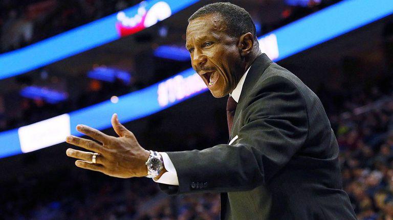 Дуейн Кейси остава начело на Детройт Пистънс до края на сезон 2023/24