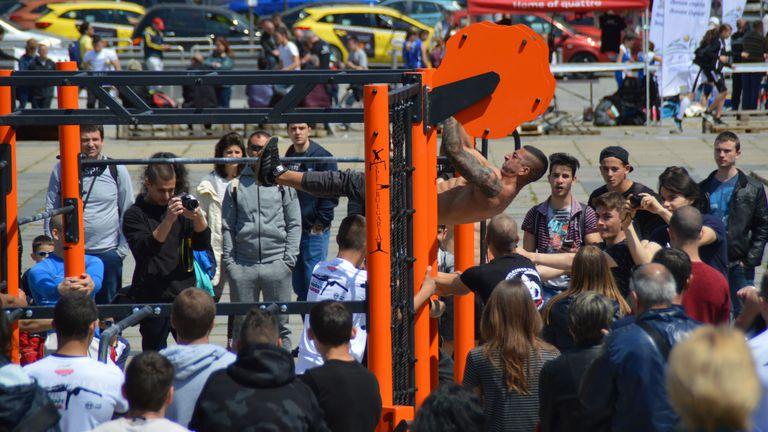 Брейк шоу, стрийт фитнес и паркур в традиционната Ърбан зона