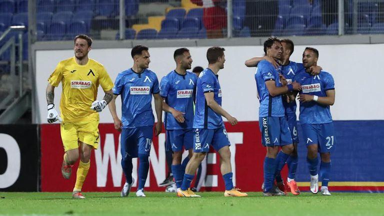 Живко Атанасов направи резултата 2:1 в полза на Левски срещу Черно море