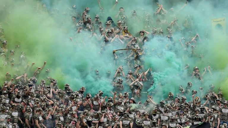 Германските футболни власти започнаха разследване заради военни униформи