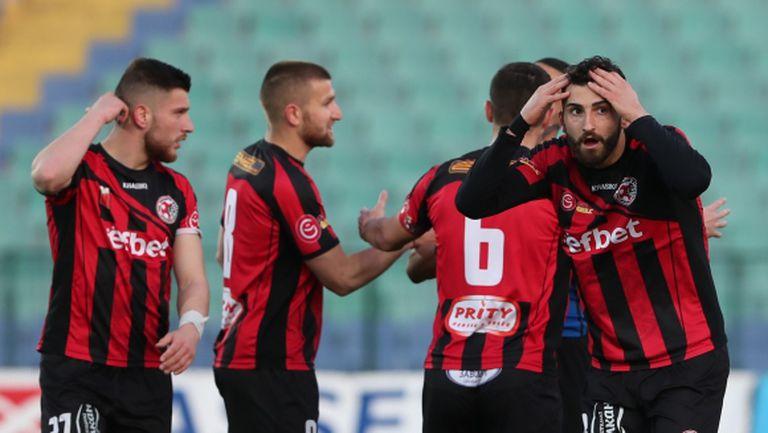 Локомотив (ГО) запазва състава с цел завръщане в елита