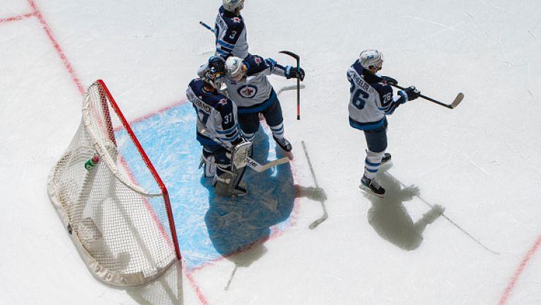 Торонто с трета поредна загуба в НХЛ