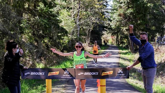 Дезире Линдън стана първата жена в света с бягане под 3 часа на 50 км