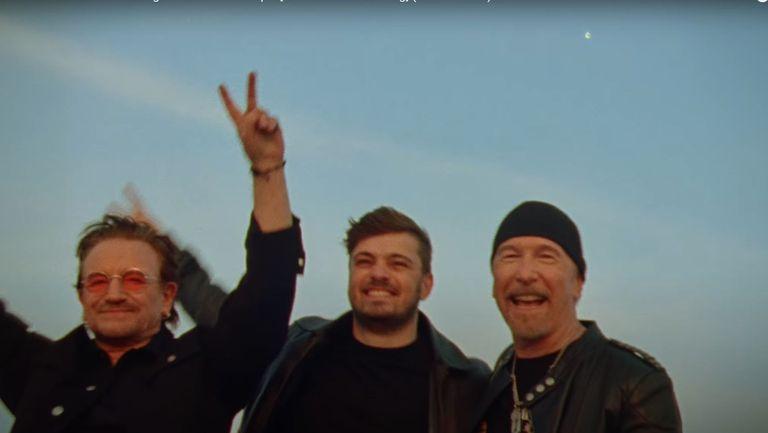 U2 и Мартин Гарикс представиха химна на европейското първенство