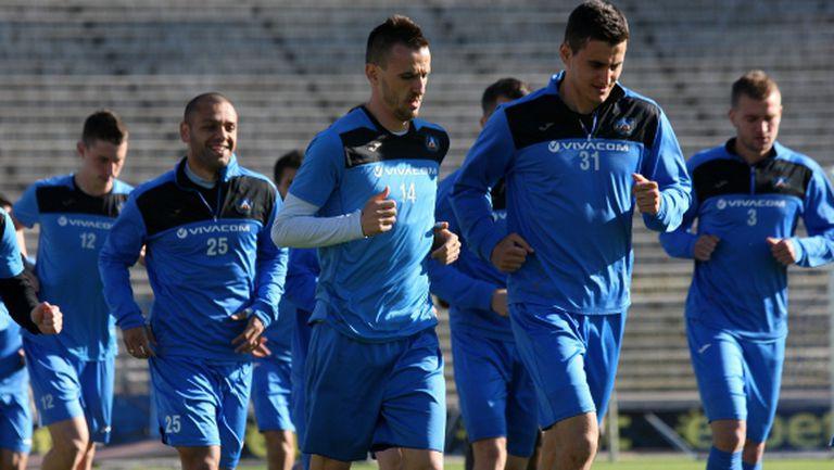 """Проблем на """"Герена"""": Азери напират за ас на Левски"""