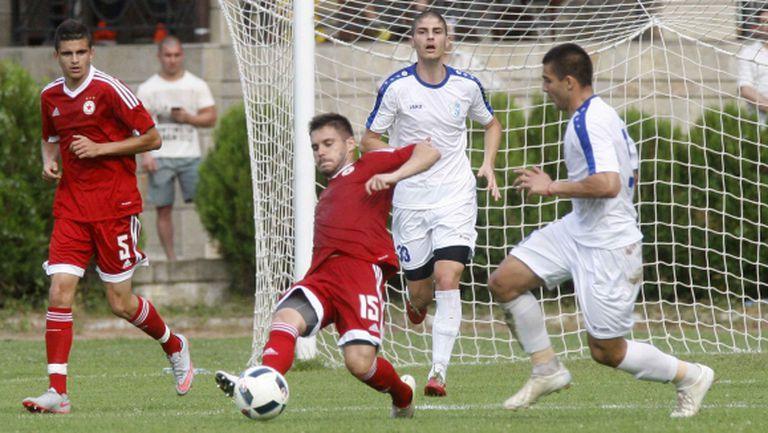 Спартак (Плевен) на лагер в Тетевен, играе две контроли с ЦСКА 2