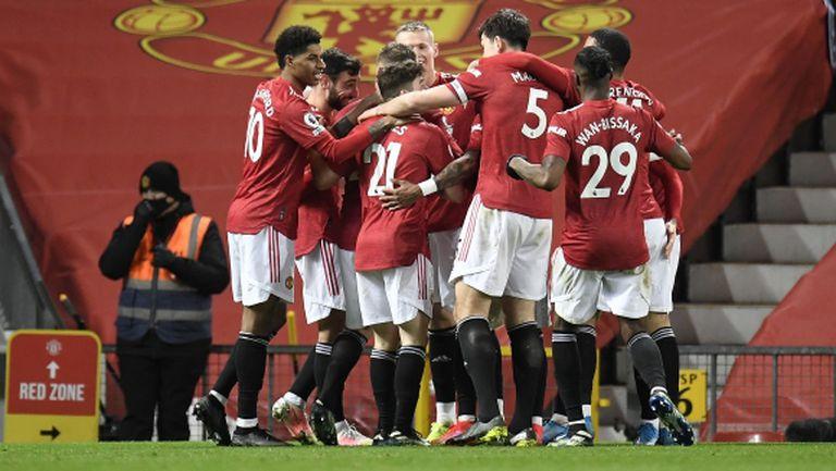 Автогол върна Ман Юнайтед на второто място в труден сблъсък с Уест Хам (видео)