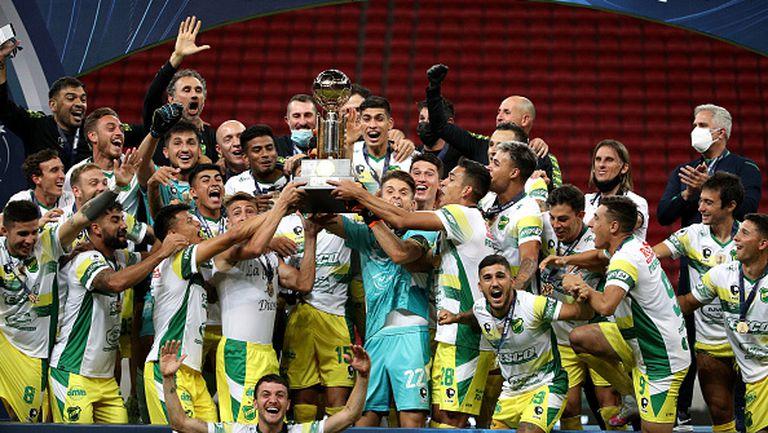 Дефенса и Хустисия грабна Суперкупата на Южна Америка след драма с дузпи срещу Палмейрас