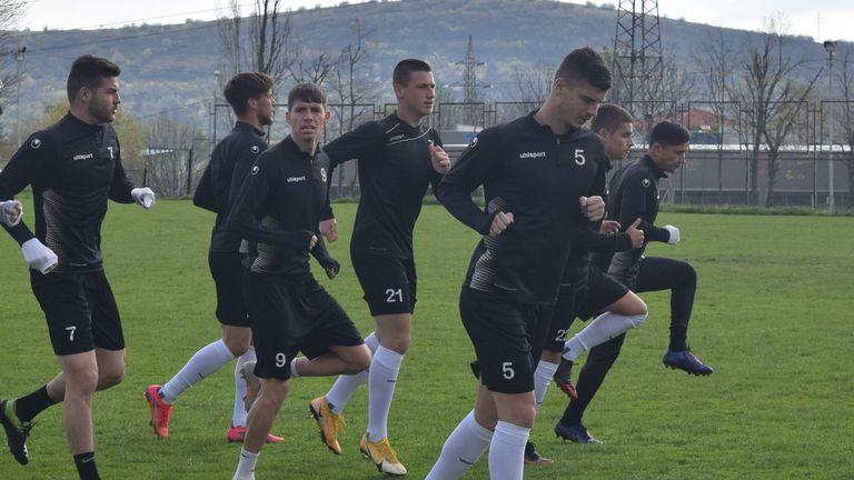 Локомотив (Пд) със сутрешна тренировка във Враца, Тунчев обяви групата