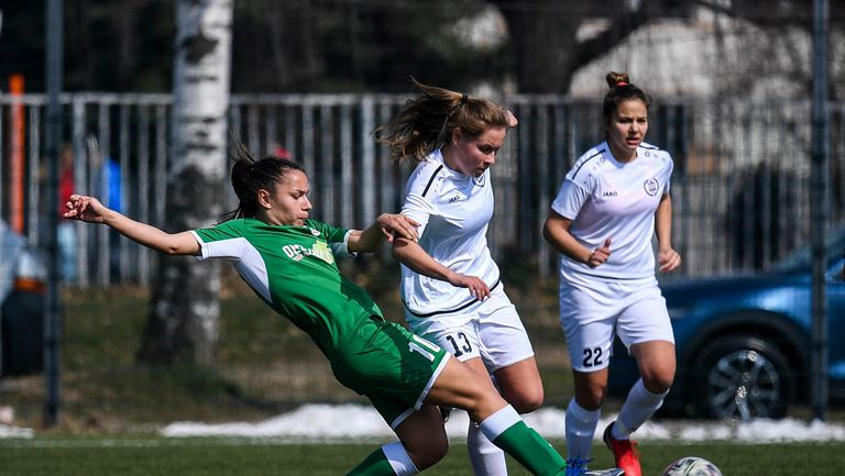 Голямо дерби на полуфиналите за Купата на България по футбол при жените