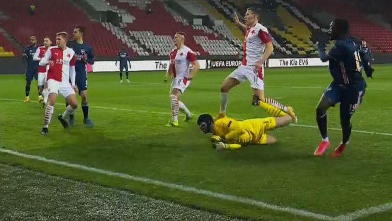 Пепе изведе Арсенал напред в резултата срещу Славия Прага