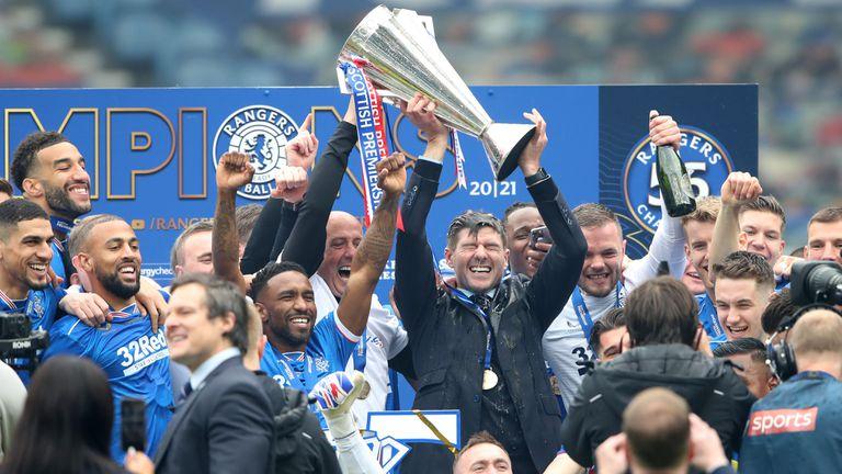 Рейнджърс вдигна първи трофей от десет години