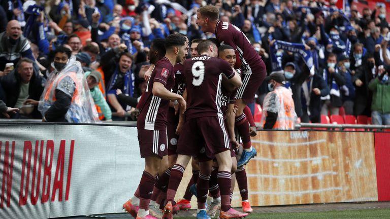 Блестящ гол донесе на Лестър първа Купа на Англия