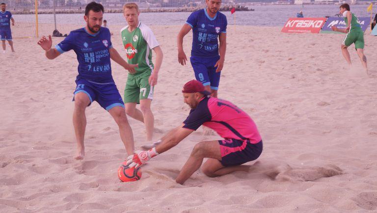 Спартак с първа загуба на турнира по плажен футбол във Варна