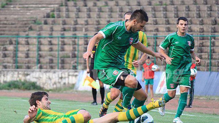 Ботев (Враца) заздравява защитата с двама нови