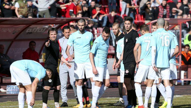 Двама футболисти на Дунав пропускат контролата с Динамо