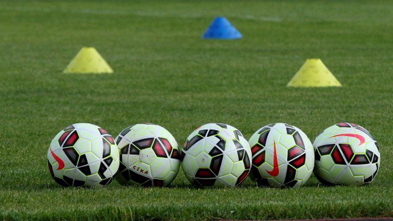 Марек картотекира двама нови футболисти