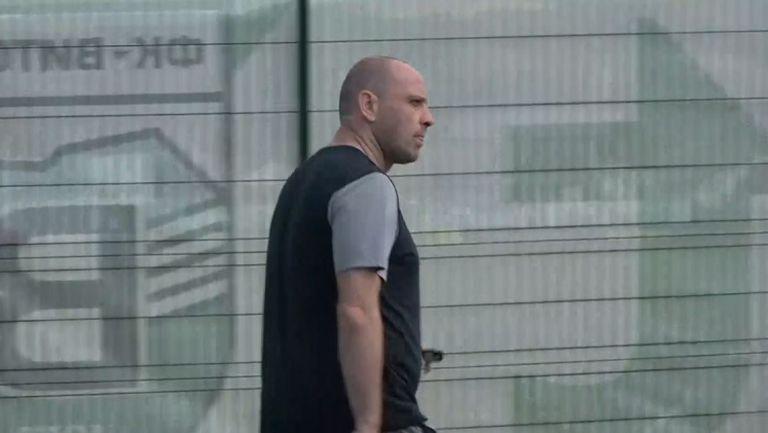 Тити Папазов пристигна на стадиона в Бистрица