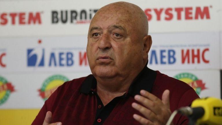 Стефанов скочи на футболните мениджъри: Забранил съм на всички футболисти на Славия да работят с агенти