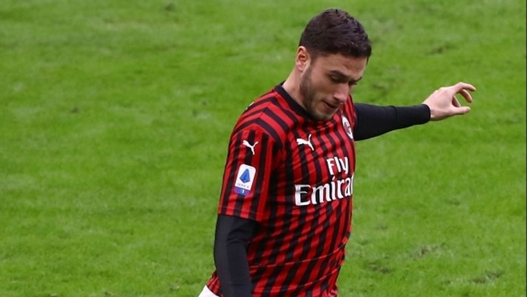 Милан се разделя с Давиде Калабрия