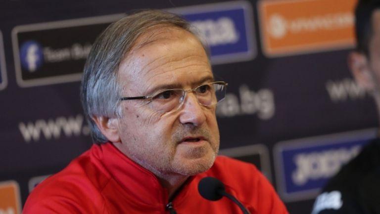 Дерменджиев: Не трябва футболистите да използват националния отбор само за визитка