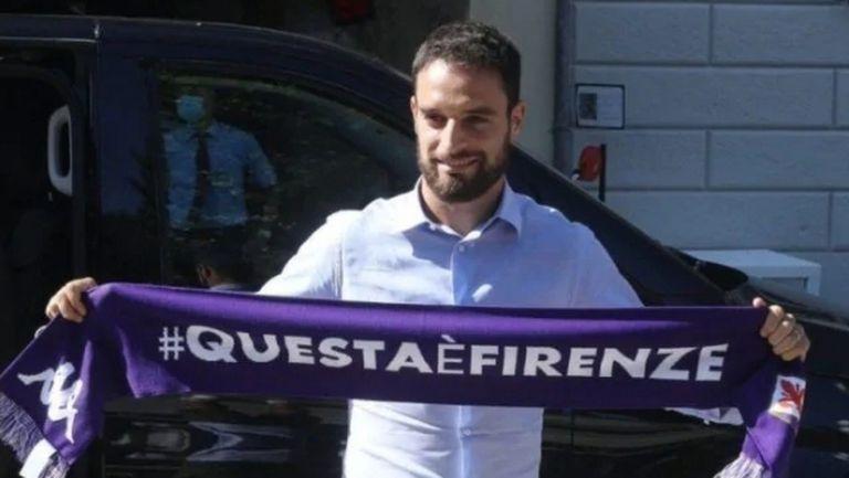 Бивш халф на Милан минава медицински прегледи във Фиорентина