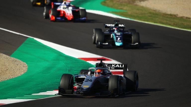 """Късна драма донесе успех на Мацепин във Формула 2 на """"Муджело"""""""