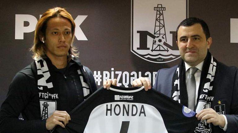 Кейсуке Хонда стана съотборник на Ахмед Ахмедов
