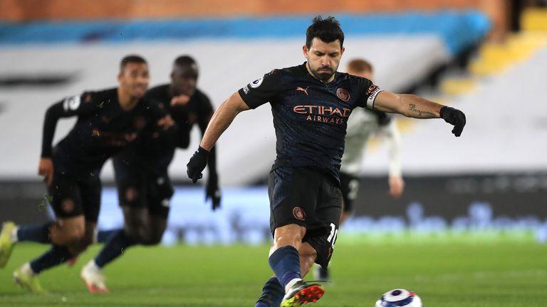 Агуеро иска по 12 милиона на сезон, четири клуба спорят за него