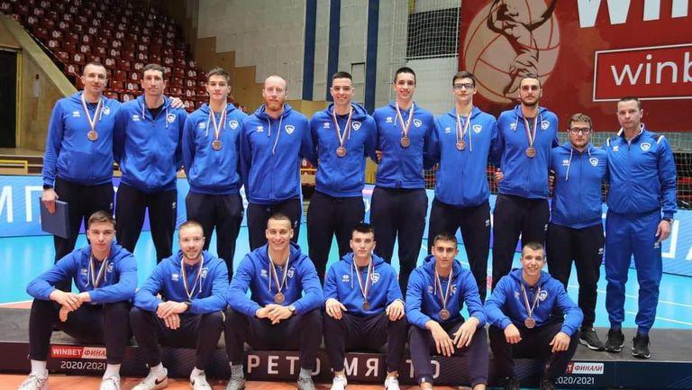 Владо Николов към волейболистите на Левски: Бронзовите медали са за тях в този луд сезон!