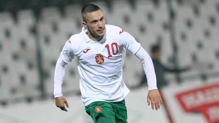 Стаси Иванов навърши 22!