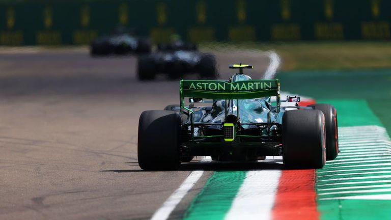 В Астън Мартин обмислят да съдят ФИА и Формула 1