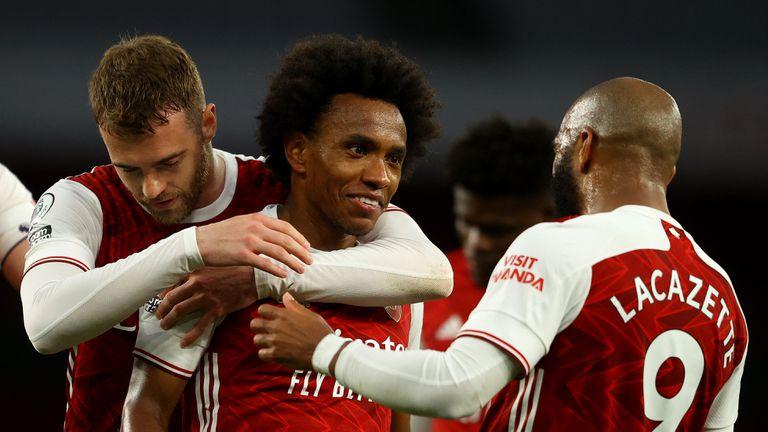Вилиан възнамерява да напусне Арсенал през лятото
