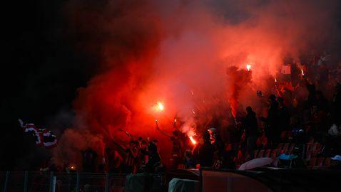 Армейска димка обгази ложата на стадион Локомотив
