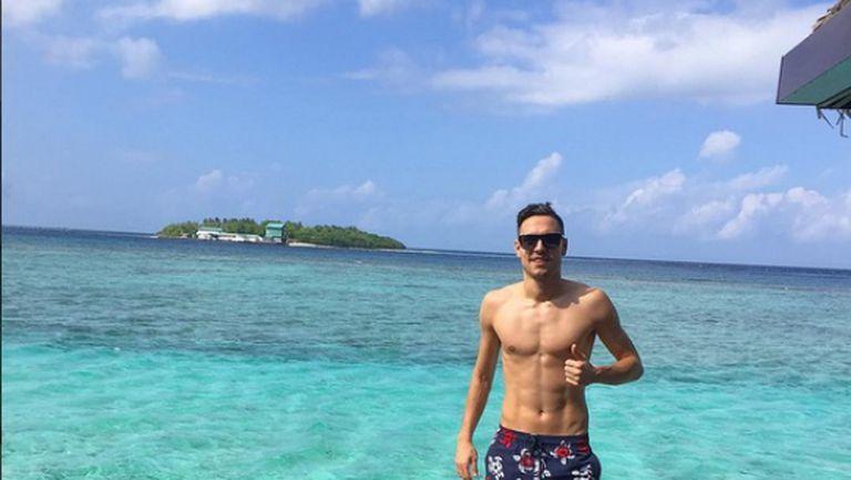 Жоро Миланов отмаря на Малдивите