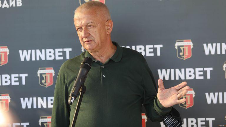 Крушарски: Разликата между мен и Бербатов е доста голяма, той бил ли е стругар?