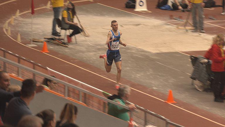 Християн Стоянов спечели златото на 1500 метра