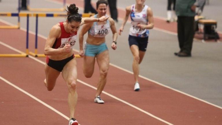 8.27 сек за Елена Митева за титлата на 60 м/пр
