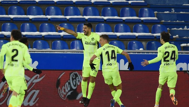 И пак той! Суарес донесе нова победа на Атлетико и задмина Меси по голове (видео)